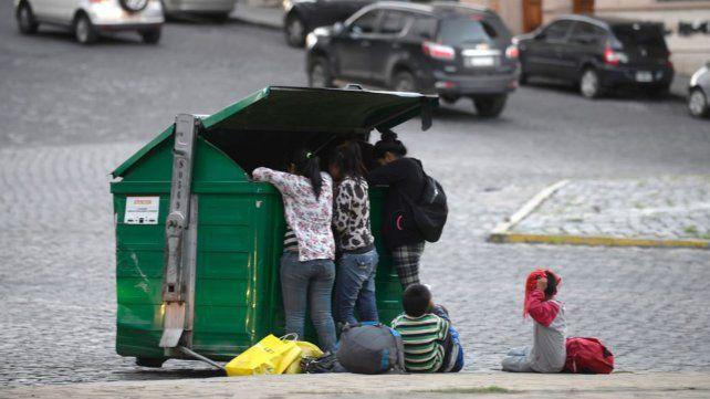 Al igual que en el resto del país, en Rosario crecen los índices de pobreza infantil.