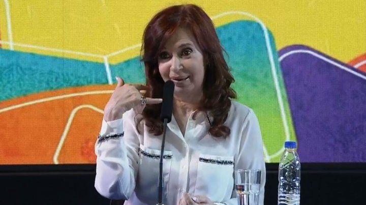 La expresidenta hizo la presentación oficial de Sinceramente en la Feria del Libro porteña.