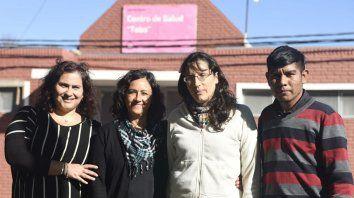 Otra manera de ver la salud. Rosana Quintana, médica; Ana Bensi y Marcela Valdata, antropólogas, y Andrés Honeri, estudiante de antropología.