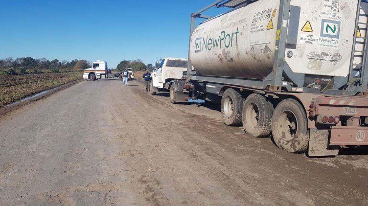 Dos vuelcos de camiones complicaron el tránsito en la región