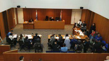 Quedaron presos. La audiencia de ayer, donde estuvo Alvarado junto a un cómplice civil y cuatro policías.