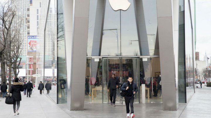 Al banquillo. Un Apple store en Nueva York. Los federales van en serio