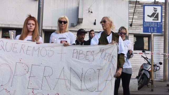 Protesta por un muchacho que apareció ahorcado en la comisaría 21ª