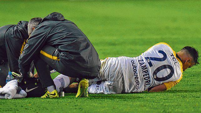 Imagen contundente. Zampedri se lesionó el 6 de septiembre en Lanús ante Talleres por la Copa Argentina.