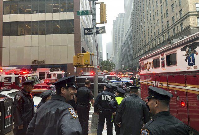 Un helicóptero se estrelló contra un edificio en Nueva York