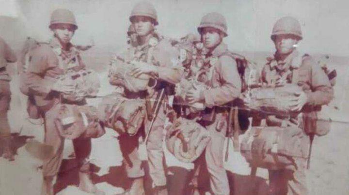 Néstor Pizarro (el primero desde la izquierda) se había anotado como voluntario.