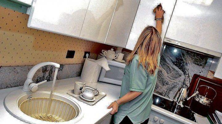 El fallo cuestiona la subordinación a la que se somete a la mujer en las tareas del hogar