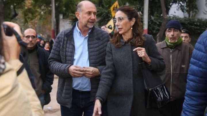Perotti y Bielsa recorrieron ayer el barrio República de la Sexta.