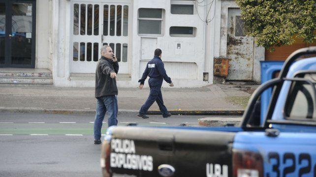 Dejan artefacto incendiario en la vivienda de un jefe administrativo de la policía