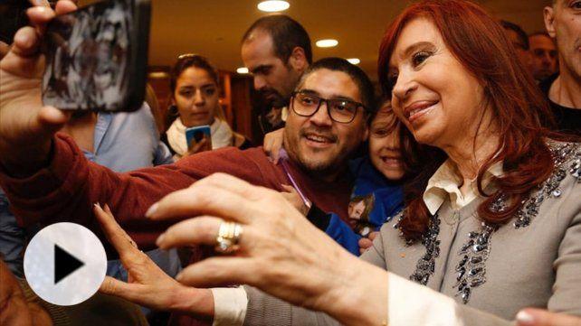 Cómo fue la calurosa recepción a Cristina en Santiago del Estero