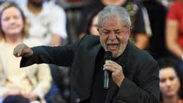 Lula fue inhabilitado para concurrir a la jefatura del Estado cuando era el favorito en las encuestas.