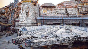Halcón Milenario. Disneyland Park habilitó una asombrosa área temática dedicada a la famosa saga de ciencia ficción.