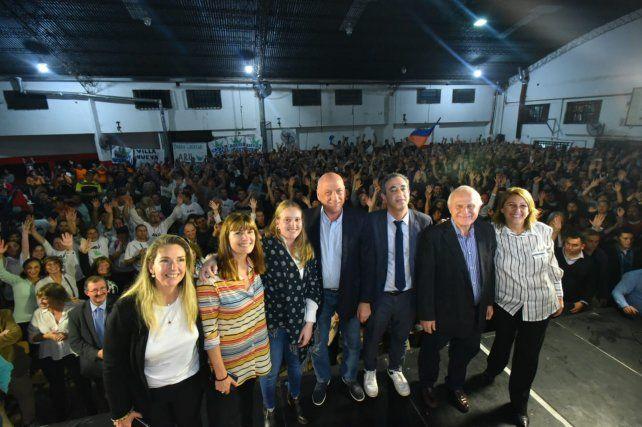 Los candidatos en pleno. Bonfatti