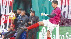 En su lugar. El arco rojinegro fue muy bien defendido por Alan Aguerre, que suena en dos clubes de México.