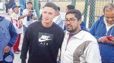En medio de hinchas catamarqueños. Aníbal Moreno presenció el clásico del domingo entre Policial y Villa Cubas.