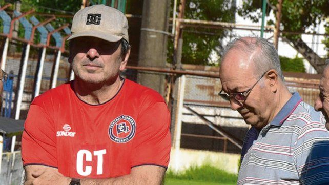 Reunión clave. Teglia y Bulfoni se encuentran para definir el futuro de los charrúas.