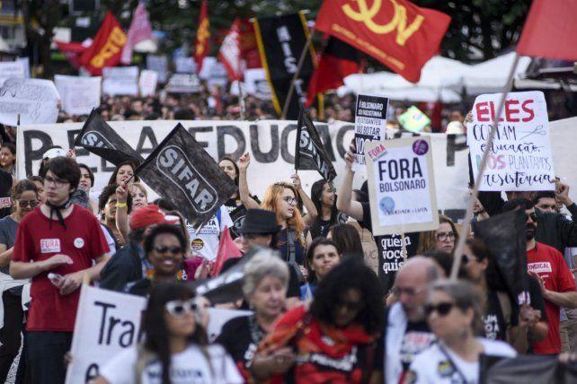 Resultado de imagen para huelga general contra reforma jubilatoria de Bolsonaro