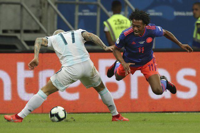 Argentina debutó con el pie izquierdo ante una Colombia más efectiva