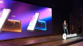 Lanzamiento. El gerente general de Motorola Argentina presentó el nuevo equipo.