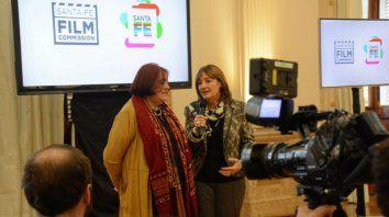 Plan conjunto. La ministra de Innovación y Cultura, María de los Angeles González, y la ministra de Producción, Alicia Ciciliani, presentaron la Santa Fe Film Commision.