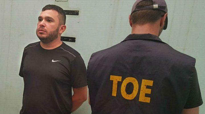 Esteban Alvarado cayó en un complejo de cabañas de Río Tercero en febrero. Antes tiró su celular al agua.