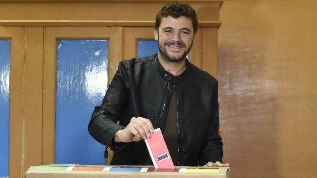 El candidato de Ciudad Futura al momento de votar esta mañana
