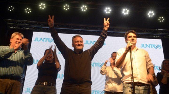 Marcelo Lewandowski saludó a los militantes peronistas en la celebración de una victoria contundente.