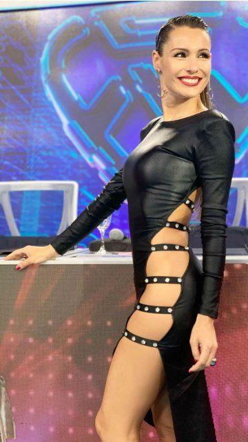 Pampita lució un infartante vestido sin ropa interior