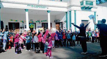 En la Agrotécnica. Estuvieron unos 200 alumnos, docentes y padres.