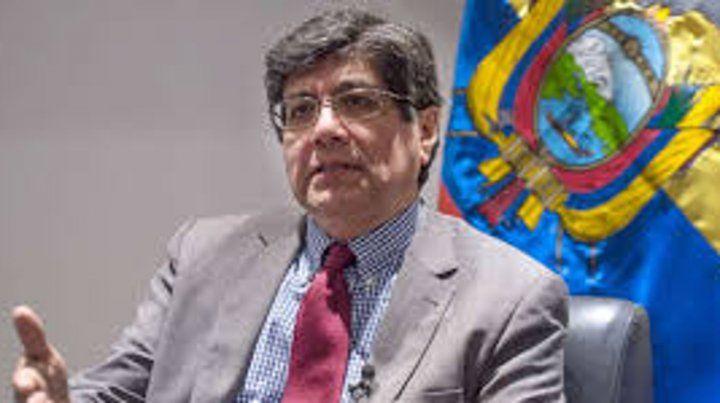 El canciller ecuatoriano José Valencia.
