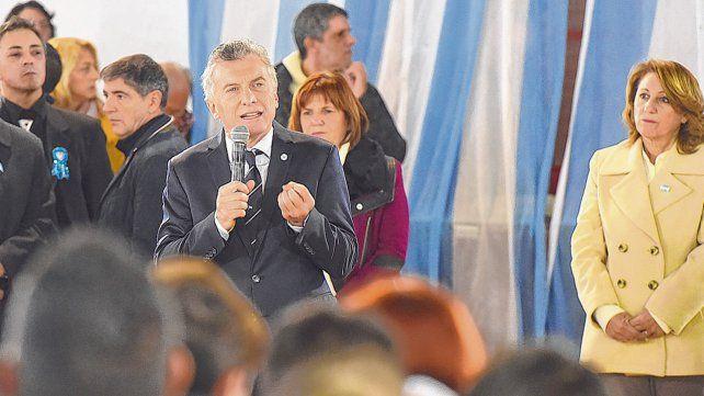 en la zona sur. Macri dio un discurso de alto contenido político ante alumnos de escuelas primarias.