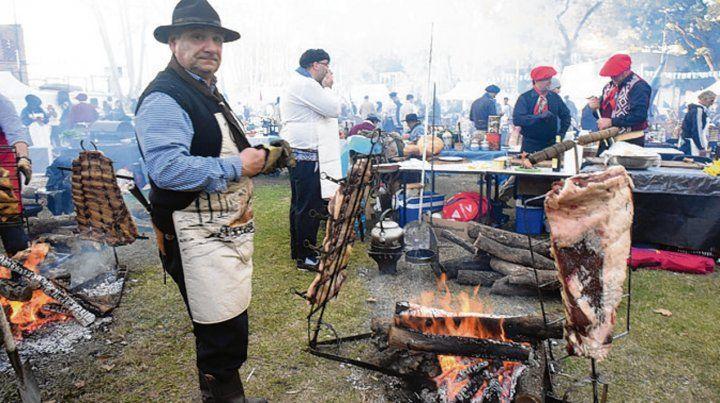 especialistas. Los asadores comenzaron a cocinar muy temprano.
