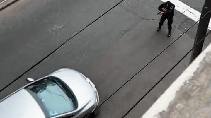 Un policía detuvo a uno de los chicos en Córdoba y Talcahuano.