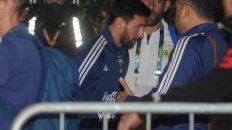 la seleccion argentina llego a porto alegre envuelta en dudas e indiferencia