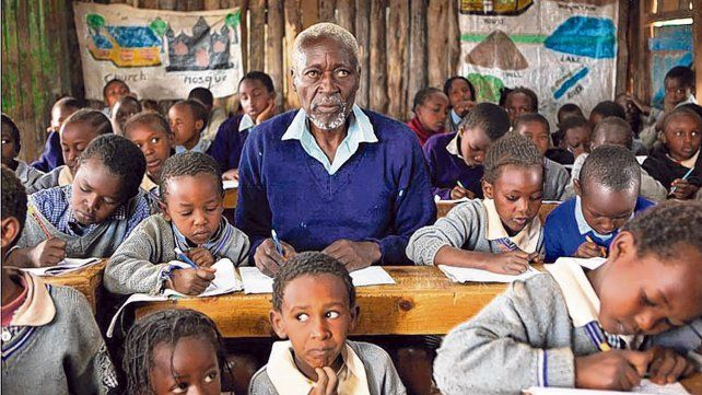 La película El escolar se inscribe en la exclusiones que dejan a los seres humanos fuera de la educación elemental.