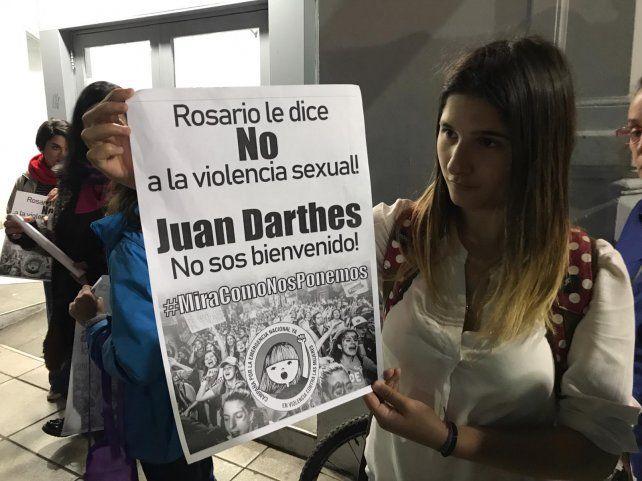 El volante que repartieron las mujeres en la esquina de Pellegrini y Corrientes.