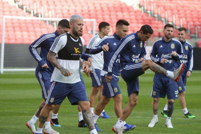 En el Beira Río. La selección entrenó ayer en el estadio de Inter de Porto Alegre. Mañana se mudará al Arena do Gremio para ir por Qatar.