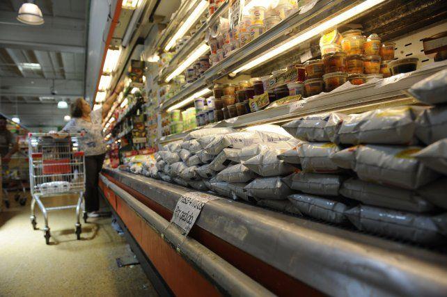 Cada vez más artículos de supermercados tienen alarma debido a los robos
