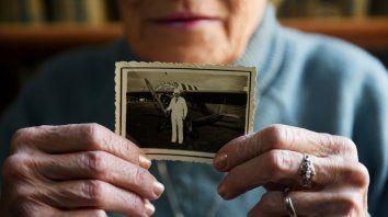 Restigo. Yolanda guarda recuerdos de su padre, que piloteaba un Piper sobre el cielo rosarino.