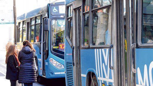¿Sube o no sube? Las autoridades están preocupadas por las variables negativas del sistema, entre ellas la caída de la cantidad de pasajeros.