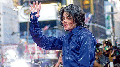 Estrella pop. Michael Jackson fue una figura indiscutible de la escena, con hits como Thriller y Billy Jean..