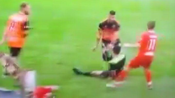 Bochornosa agresión a un árbitro de la Liga Casildense