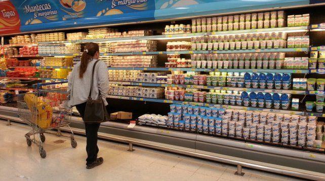 La ventas en supermercados cayeron 12,6 por ciento respecto de abril del año pasado
