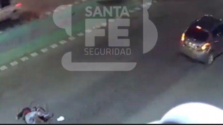 Un video muestra cómo un ciclista es atropellado en avenida Pellegrini