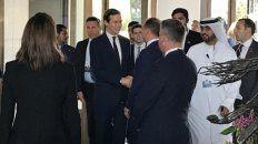 representantes. Jared Kushner, yerno de Trump, y Steven Mnuchin, secretario del Tesoro de los Estados Unidos, a su llegada a Manama.