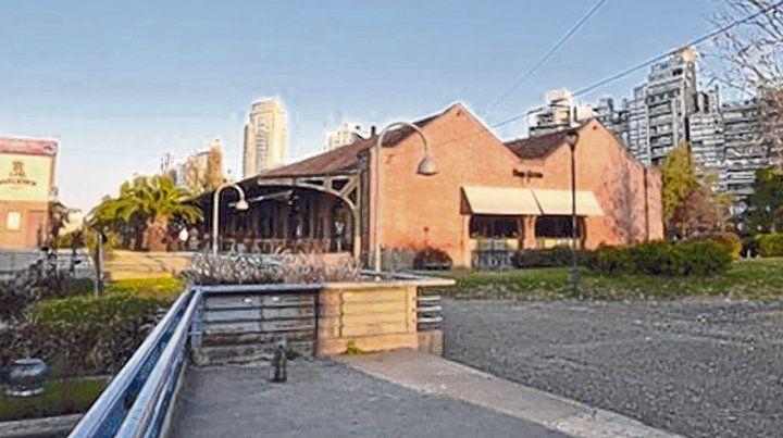 polémico. El complejo gastronómico está situado en una de las mejores zonas de Rosario.