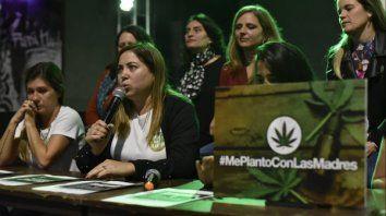 Las Madres que se Plantan, en campaña por el autocultivo