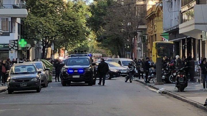 Gran despliegue policial en la zona de Presidente Roca entre Córdoba y Rioja por un ladrón que robó en un local.