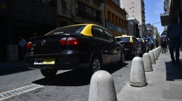Los tacheros locales buscan que los rosarinos usen con más frecuencia la aplicación Movi Taxi