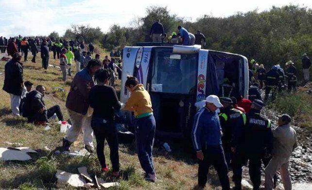 Difunden las identidades de dos muertos y 44 heridos en el accidente en Tucumán